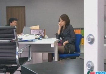 オフィスで事務用品を使いながらオナニーするOLの北条麻妃の無修正