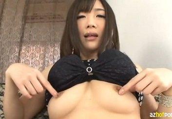 大槻ひびきのHなパンティー食い込ませ淫語オナニー動画