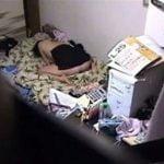 生活感のある一人部屋で巨乳な妹のオナニーを隠し撮り