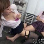 可愛いペットである女教師に膝貸して擦りつけオナニーさせるレズJK